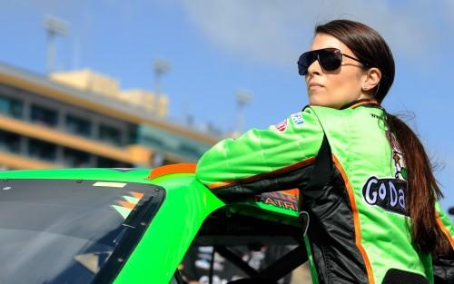 danica-patrick-nascar-hd-wallpaper-2
