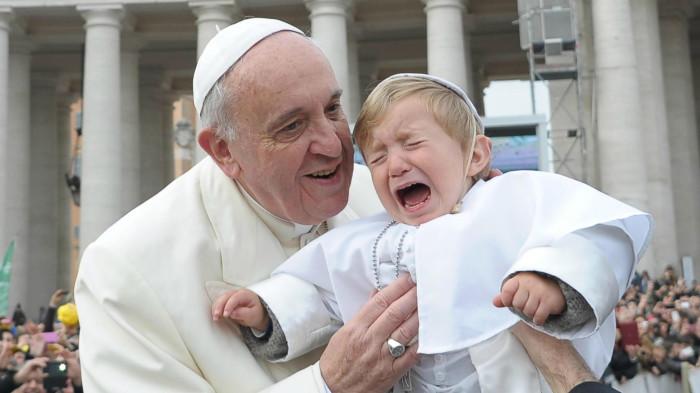 I bambini baciati dal Papa (FOTO)