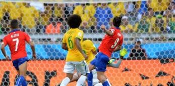 Pinilla si tatua la traversa contro il Brasile (FOTO)