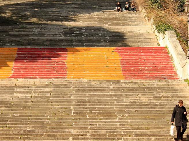 Imbiancata la scalinata dello scudetto 1983, Trastevere insorge