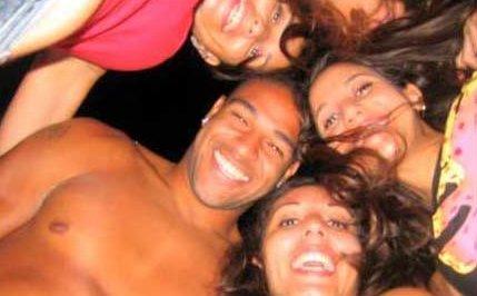Adriano, festino con 18 mignotte