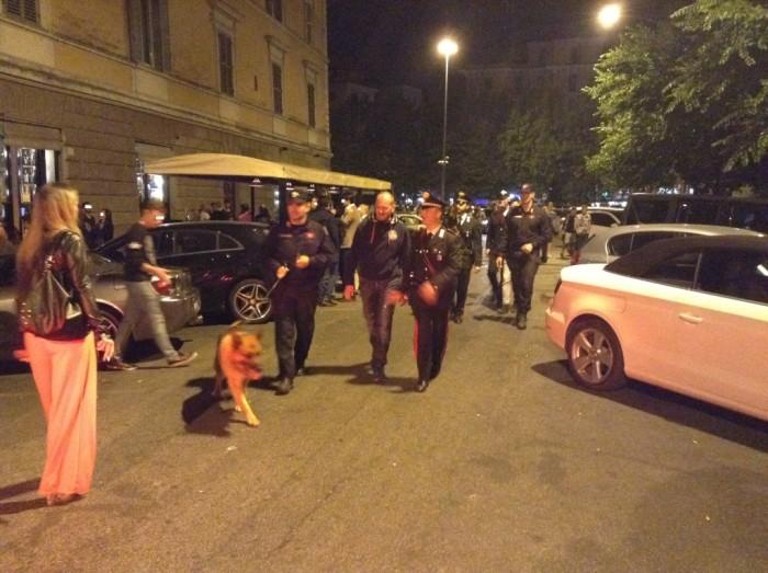 Ponte Milvio, denunciati perche' urinavano per strada