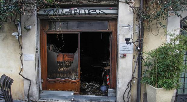 """A fuoco il ristorante """"Giulio passami l'Olio"""", locale distrutto"""