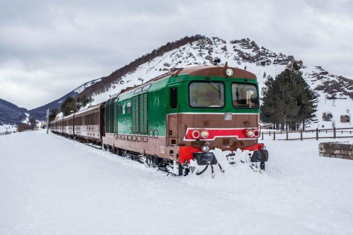 """Arriva il """"Treno della neve"""", da Roma Termini a Roccaraso su un treno d'epoca"""
